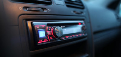 FM/AM as car must-have rises as web radio drops